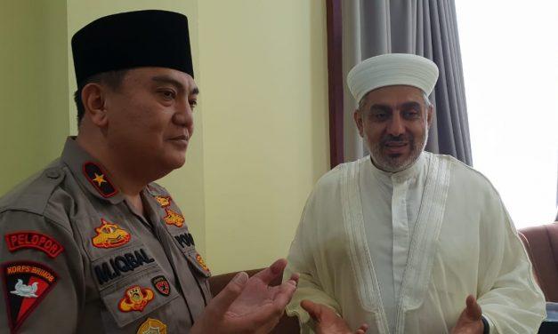 Syekh Dr. Wahbi Sulaiman Tausiah di Polda Jawa Timur